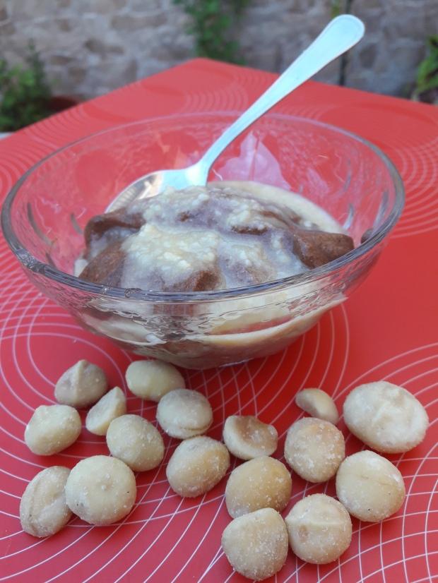 Mousse de chocolate con crema de macadamia